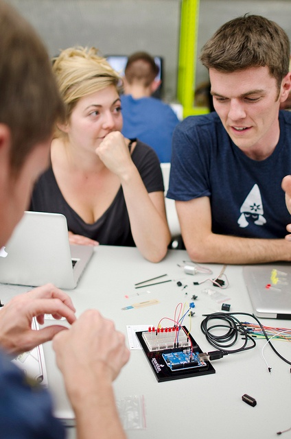 students problem solving with Arduino