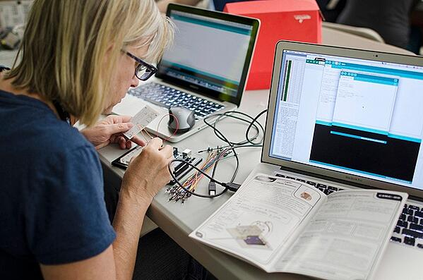 educator working on SIK