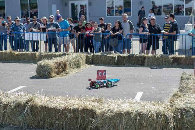 autonomous vehicle tries the SparkFun AVC course