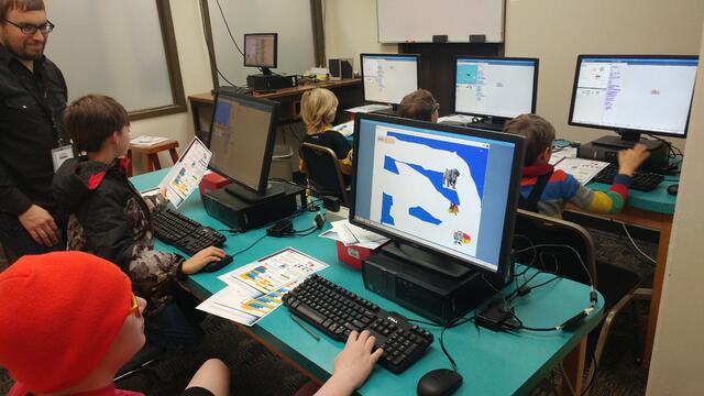 teaching students to code using Raspberry Pi and Scratch